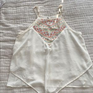 Super cute dainty embroidered top
